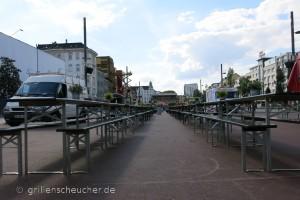 28_Spielbudenplatz_Tischreihen