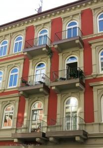 38_Altbau_Balkone