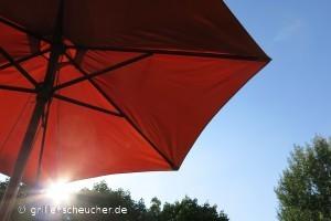 208_unterm_Sonnenschirm