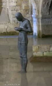 78_Krypta_Statue