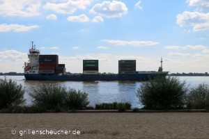 01_Containerschiff